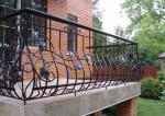 Как оформить балкон и внешнюю сторону окон