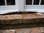 Способы устранения дефектов окон из дерева