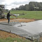 Как залить бетонный пол на грунт?